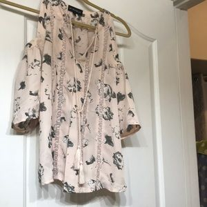 Floral pink top, size small.